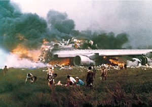 historipedia-tabrakan-dua-jumbo-jet-di-bandara-spanyol-renggut-583-nyawa-yCkPkPlasv