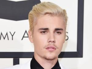 Lelang Rambut Justin Bieber